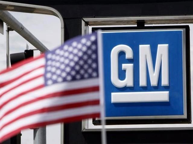 9. General Motors (GM)</p></div><div></div></div><p>&nbsp;</p><p><i>Doanh thu năm 2014: 155,9 tỷ USD</p><p>Số nhân viên: 212.000</i></p><p>GM là một trong những hãng xe lớn nhất thế giới và đã có lịch sử hơn 100 năm. Sau một năm phải đương đầu với các vấn đề pháp lý, GM vẫn tăng được doanh số các thương hiệu xe phổ biến của hãng như Chevrolet, Buick, GMC và Cadillac.</p><p>Hãng xe có trụ sở ở Detroit có 21.000 nhà phân phối ở khắp 6 châu lục. Klout - công ty phân tích ảnh hưởng trên truyền thông và mạng xã hội - dành cho GM điểm số khá cao 91/100 về ảnh hưởng trên mạng xã hội, chỉ kém đối thủ Ford trong lĩnh vực ôtô - Nguồn: Business Insider.