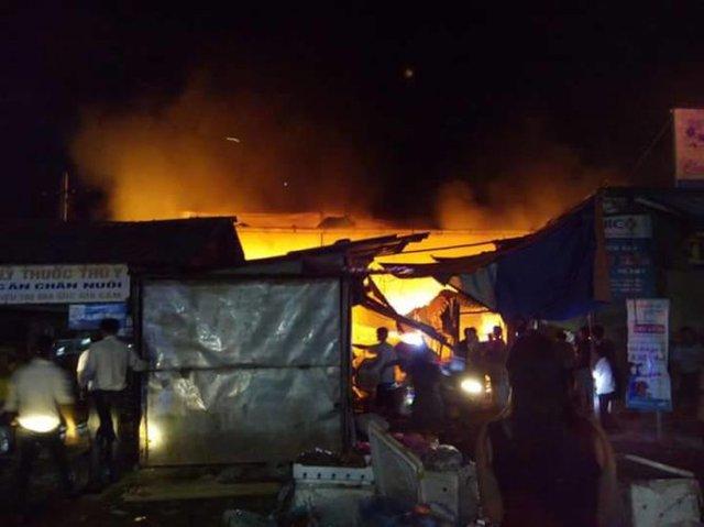 Hiện trường vụ cháy chợ Bộng đêm 31-8