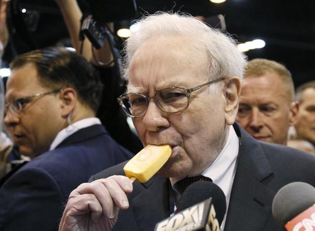 Tỷ phú Warren Buffett thứ 13.