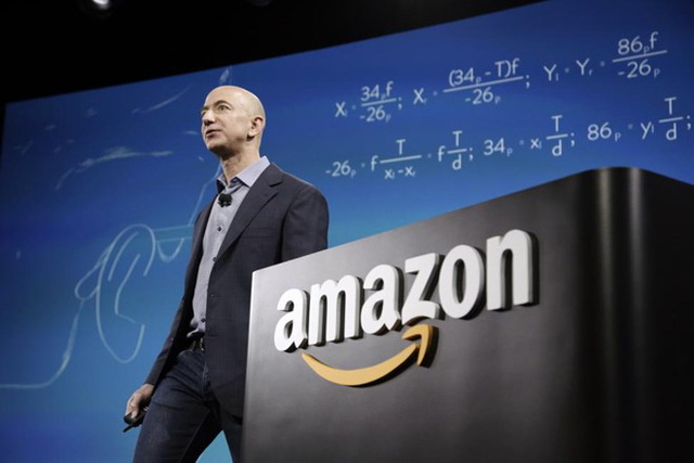 CEO Amazon Jeff Bezos thứ 17.