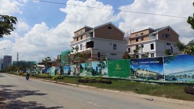 Những căn biệt thự độc lập của công ty Phú Long dự kiến sẽ bàn giao cho khách hàng trước tết năm nay.