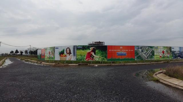Một dự án khu đô thị nằm giáp ranh với Green City vẫn chưa được đầu tư.