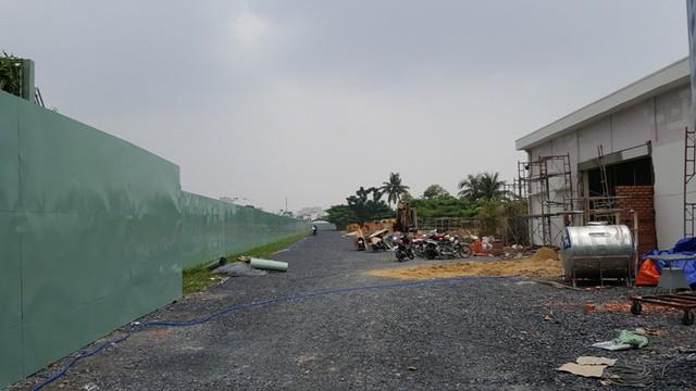 Dự án Diamond Lotus của công ty BĐS Phúc Khang đang bắt đầu thi công phần công viên cảnh quang. Dự kiến trong tháng 11/2015 chủ đầu tư sẽ chính thức khởi công xây dựng 3 block căn hộ cao cấp tại quận 8.