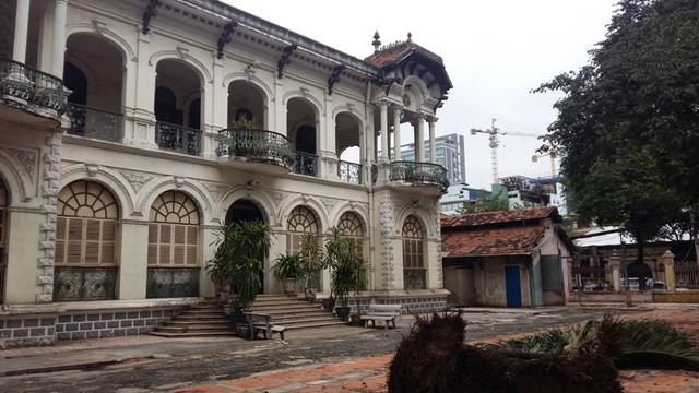 Đây là ngôi biệt thự vẫn còn khá nguyên vẹn nhất trong số hơn 1.000 biệt thự cổ trên địa bàn TPHCM