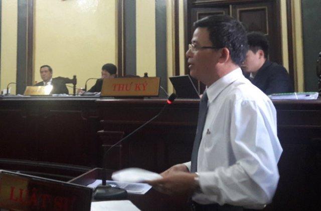 Luật sư Lưu Văn Tám, bảo vệ quyền lợi cho Ngân hàng Phương Nam - Ảnh: Hoàng Điệp