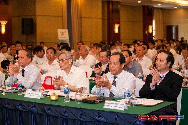 Nguyên Bộ trưởng Thương mại- Ông Trương Đình Tuyển tham dự diễn đàn
