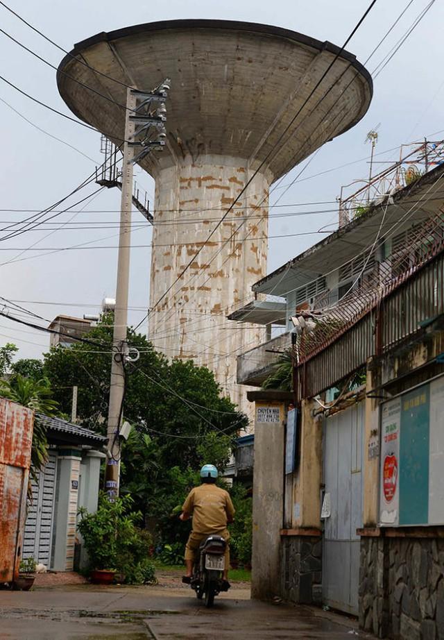 Thủy đài trên đường Nguyễn Thái Sơn - Ảnh: Hữu Khoa