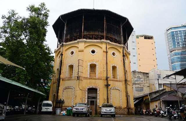 Thủy đài trên đường Võ Văn Tần, Q.3 - Ảnh: Hữu Khoa