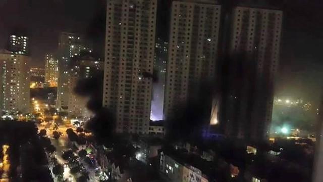 Toàn cảnh vụ cháy ở khu đô thị Xa La ngày 11/10 nhìn từ trên cao.