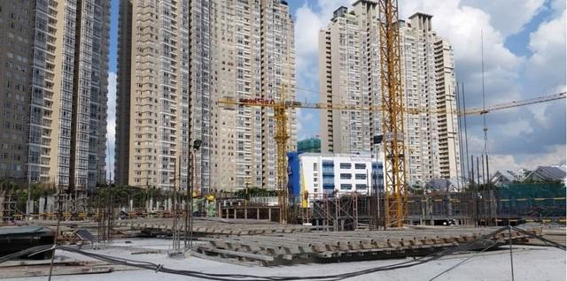 Dự án Sài Gòn Pearl giai đoạn 3 có tổng diện tích sàn xây dựng 32.000 m2 đang trong giai đoạn xây dựng 1 tầng hầm chung.