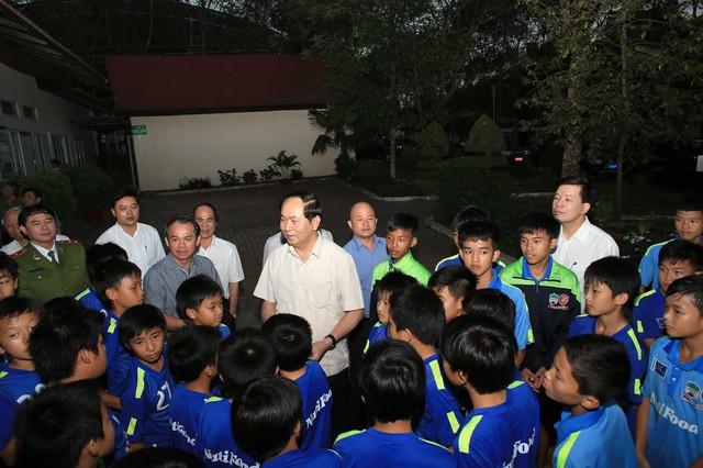 Bộ trưởng Trần Đại Quang cùng đoàn công tác đã đến thăm Học viện bóng đá HAGL Arsenal JMG.