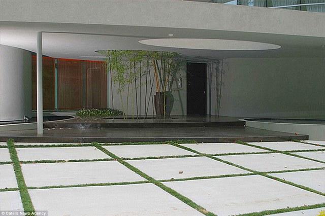 Ngôi biệt thự với thiết kế mang cả thiên nhiên vào trong nhà.