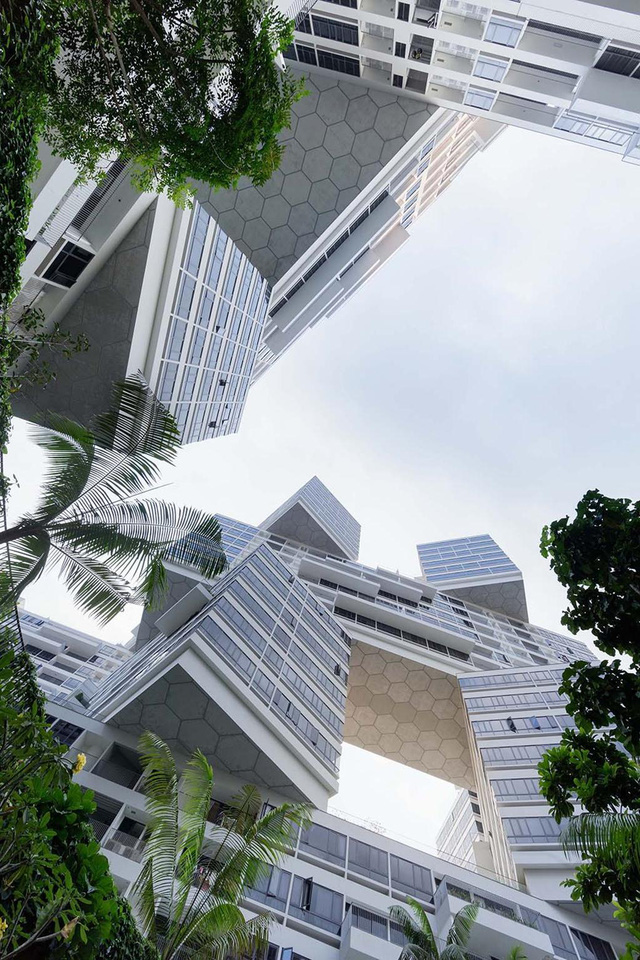 Đặc điểm nổi bật của chung cư The Interlace chính là không gian sinh hoạt chung xen kẽ giữa các tòa nhà.