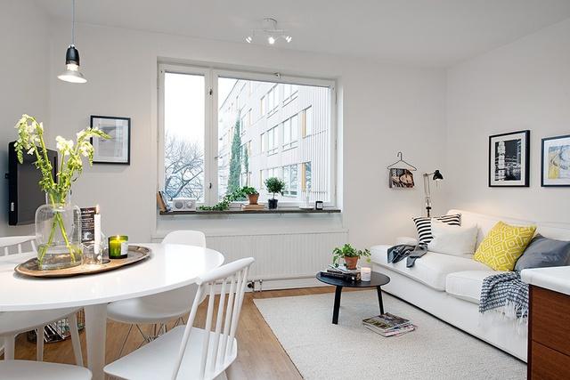 Màu sáng của nội thất luôn đem đến cảm giác mát mẻ và rộng rãi.