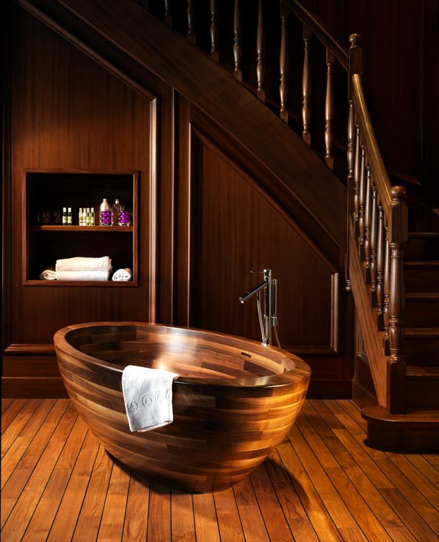Với chất liệu làm từ gỗ, những bồn tắm như thế này tạo nên không gian sang trọng, cuốn hút cho ngôi nhà của bạn.