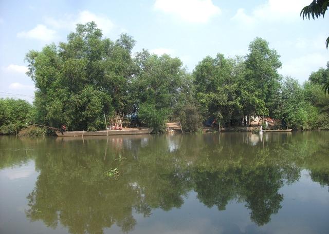 Một bảo vệ ban quản lý Dự án khu Đô thị Đại học quốc tế Việt Nam cho biết hiện chỉ mới đền bù phần đất 116ha thuộc quản lý của quân đội trước đây, phần còn lại thì chưa.
