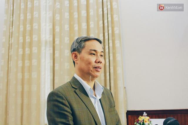 Ông Long trả lời báo chí tại cuộc họp báo Tháng hành động vì An toàn thực phẩm 2016.