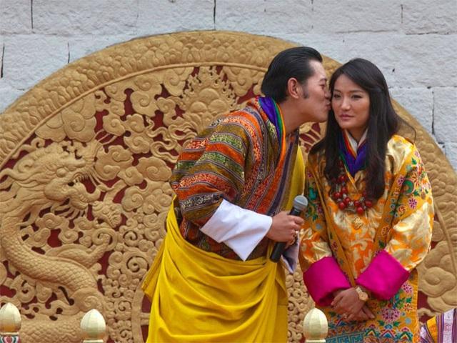 <b></div><div></div></div><p> </p>9. Bhutan</b><p><i>Tỷ lệ nợ công/GDP: 110,7%</i></p><p>Quốc gia châu Á nhỏ bé Bhutan có quan hệ kinh tế mật thiết và phụ thuộc nhiều vào Ấn Độ về hỗ trợ tài chính và nguồn lao động nước ngoài để phát triển cơ sở hạ tầng.