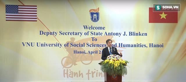 Thứ trưởng Ngoại giao Mỹ Antony Blinken phát biểu tại Đại học KHXHNV - Đại học Quốc gia.