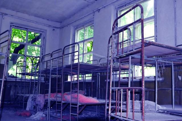 Bên trong một khu nhà bỏ hoang