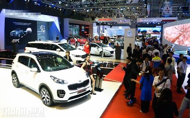 Tết này nhân viên ô tô được thưởng cao gấp 2-3 lần mọi năm, với số tiền từ 50-100 triệu đồng.