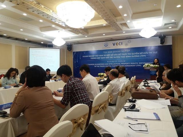 """Tọa đàm """"Doanh nghiệp (DN) Việt Nam và một số vấn đề thực thi quyền sở hữu trí tuệ""""  do VCCI phối hợp với Bộ KHCN và Liên minh phần mềm (BSA) tổ chức sáng 20.4 tại Hà Nội"""