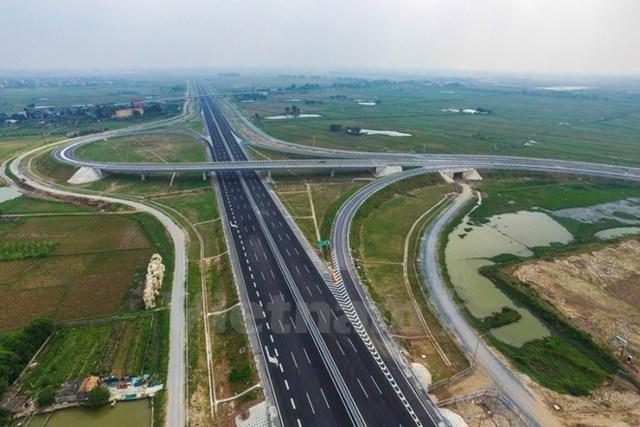 Tuyến đường cao tốc Hà Nội-Hải Phòng nhìn từ trên cao. (Ảnh: Minh Sơn/Vietnam+)