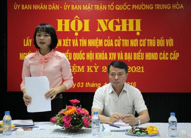 Đồng chí Phan Thị Hải Yến, Phó Chủ tịch UBND phường Trung Hòa phát biểu tại Hội nghị