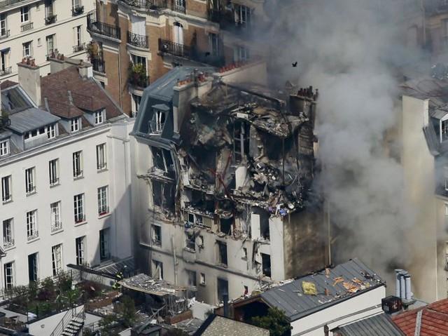 Tòa nhà bị cháy, nổ - Ảnh: Getty Images