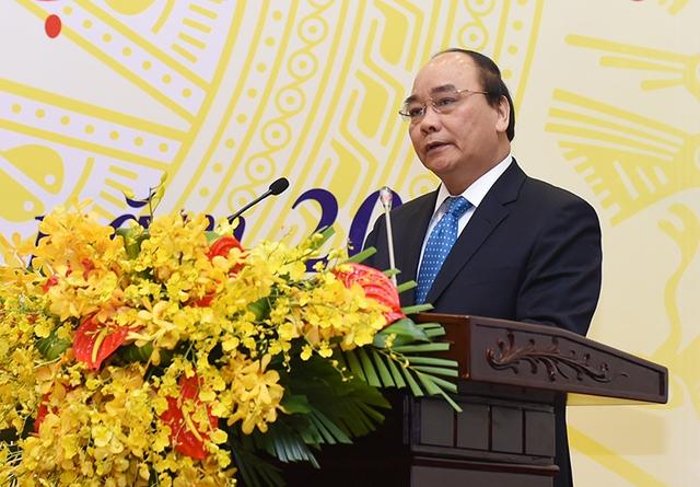 Ủy viên Bộ Chính trị, Phó Thủ tướng Nguyễn Xuân Phúc được đề cử để Quốc hội bầu giữ chức Thủ tướng Chính phủ.