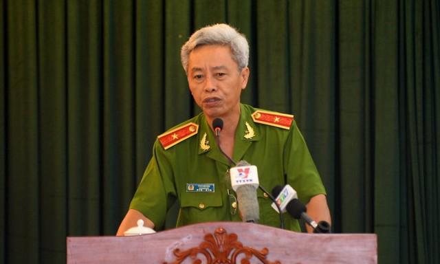 Phó giám đốc công an TP.HCM thiếu tướng Phan Văn Minh báo cáo sơ bộ về tình hình chống tham nhũng của lực lượng công an tại hội nghị - Ảnh: Thuận Thắng