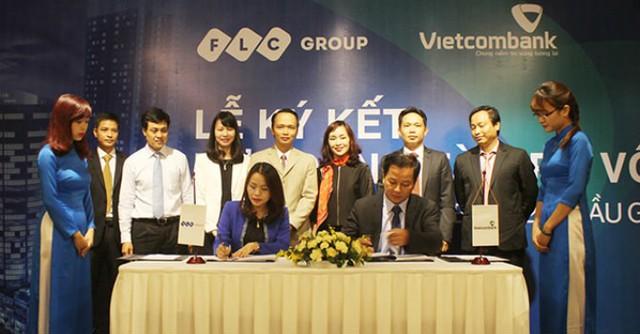 Lãnh đạo Tập đoàn FLC và Vietcombank Ba Đình ký hợp đồng hợp tác.