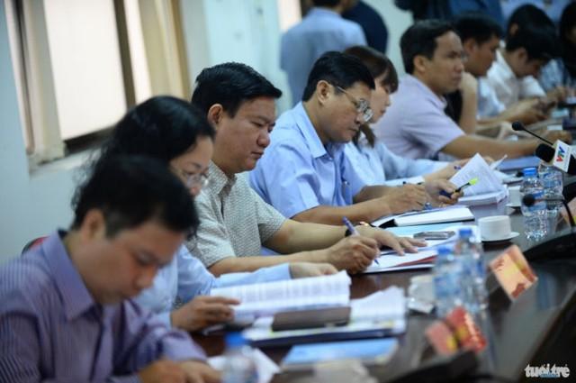 Bí thư Thành ủy TP.HCM Đinh La Thăng cùng lãnh đạo thành phố làm việc với huyện Củ Chi sáng 18-2 - Ảnh: Thuận Thắng