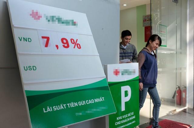 Lãi suất huy động của một ngân hàng cổ phần - Ảnh: Hoài Linh