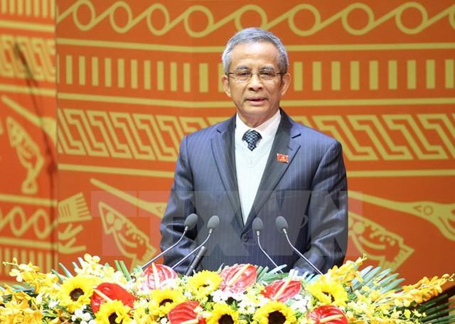 Đồng chí Đặng Ngọc Tùng, Ủy viên Trung ương Đảng, Chủ tịch Tổng Liên đoàn Lao động Việt Nam trình bày tham luận. (Ảnh: TTXVN)
