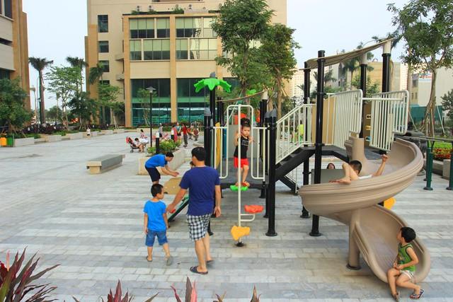 Khu vui chơi của trẻ em trong khu chung cư