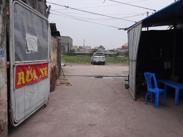 Lối vào dự án bây giờ đã trở thành bãi rửa xe.