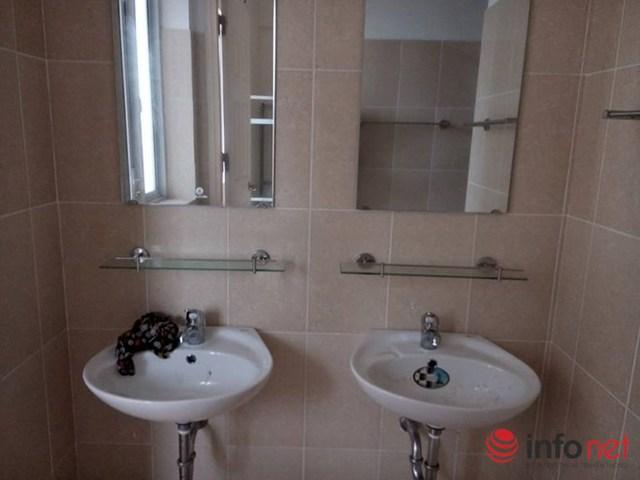 Phòng tắm trong KTX sạch sẽ nhưng vẫn chưa thu hút sinh viên