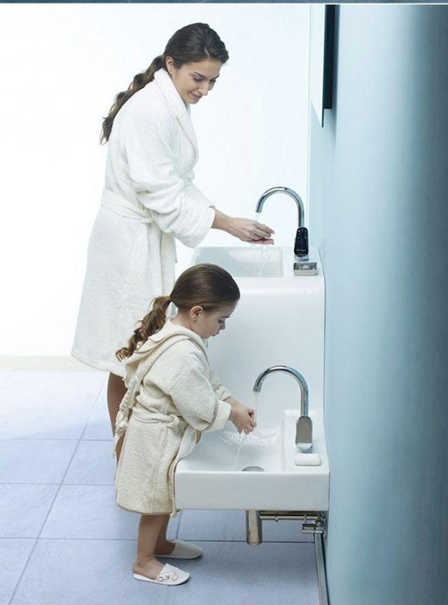 Không ai phải tranh giành bồn rửa với nhau nữa.