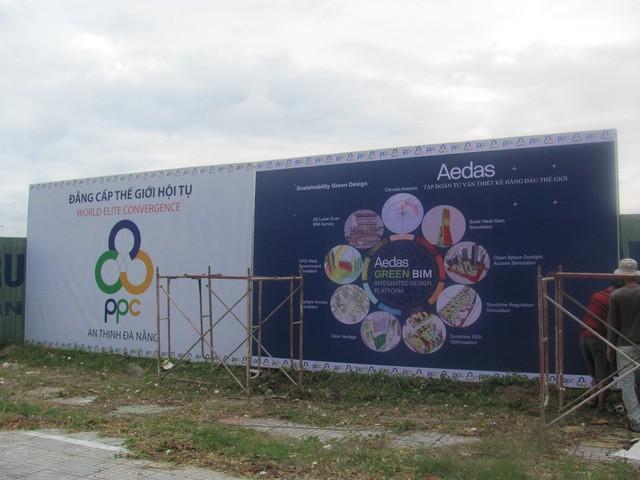 Dự án Ánh Dương - Soleil Đà Nẵng được người dân quan tâm, hình ảnh thực tế công tác treo biển giới thiệu chủ đầu tư được người dân chia sẻ trên internet.