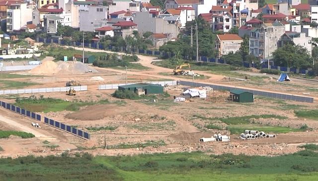 Hạ tầng đồng bộ, chung cư xây dựng rầm rộ, người dân nhộn nhịp kinh doanh đang khiến giá đất thổ cư tăng lên ở khu vực ngoại thành