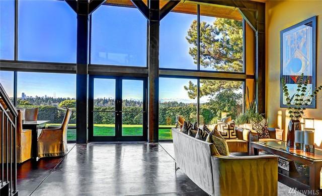 Sau 15 năm gắn bó với biệt thự này, giờ đây Nadella lại muốn chuyển tới một địa điểm mới gần đó.