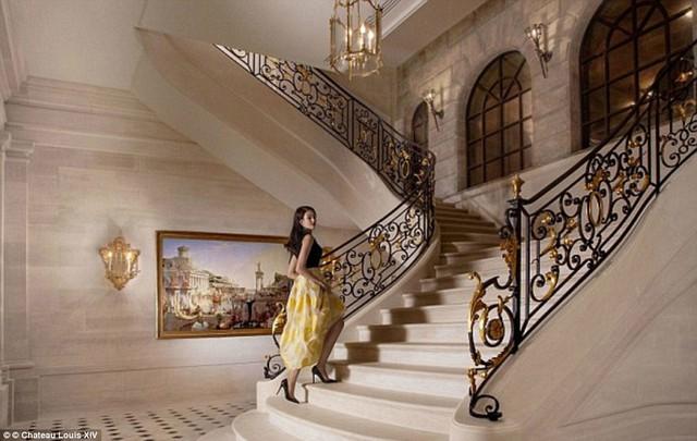 Một trong những lý do khiến dinh thự này có giá đắt đỏ như vậy là vì nội thất hết sức đặc biệt bên trong.