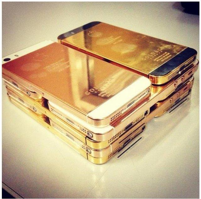 Cuộc sống chìm trong vàng