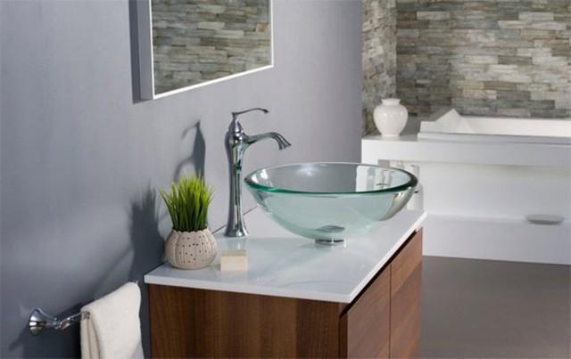 Để tiết kiệm không gian, bạn không nên đặt bồn rửa ở giữa phòng tắm mà nên đặt gọn gàng vào một góc phòng. Bồn rửa cao là một giải pháp hữu hiệu vì nó giúp bạn tận dụng được không gian bên dưới.