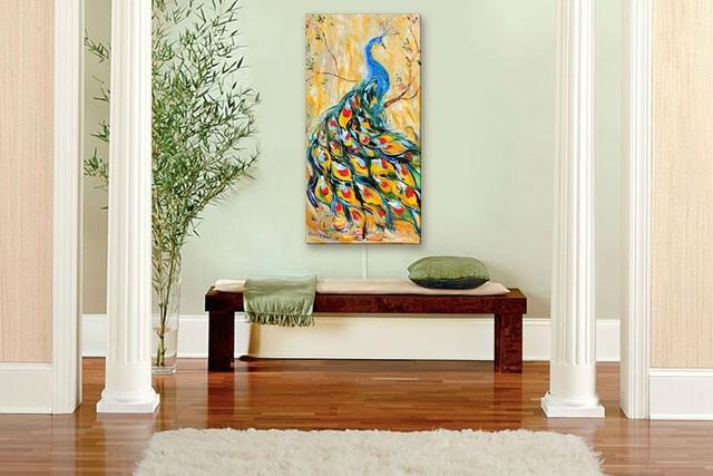 Chỉ với một chiếc ghế dài cùng với bức tranh chim công cũng đủ làm cho không gian nhà bạn bừng sáng.