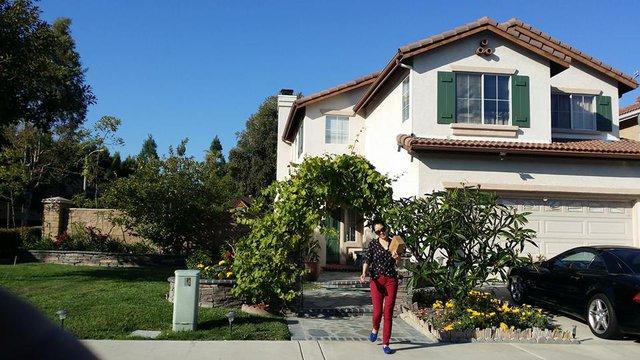 Vợ chồng Thu Phương chọn sống ở thành phố Irvine là vì môi trường trong lành, hệ thống hạ tầng cũng như giáo dục tốt vào loại bậc nhất của California.