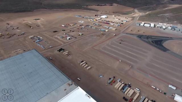 """Theo thông tin trên giấy phép xây dựng, Tesla đã chi hàng triệu USD cho """"hệ thống nhà lưu động"""" xung quanh nhà máy, trong đó có trung tâm phòng cháy, chữa cháy và khu bảo vệ."""