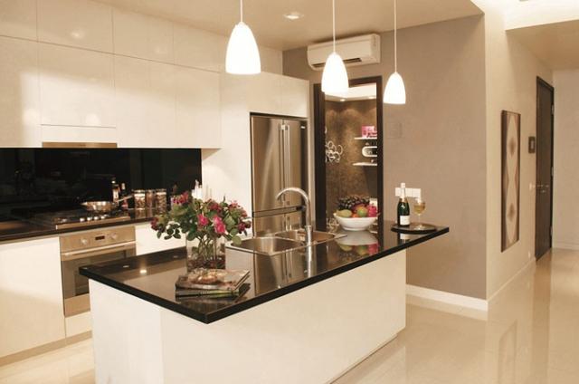 Phòng bếp được thiết kế  hết sức sang trọng và  hoàn chỉnh tiện nghi.