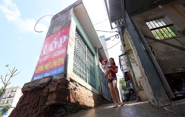 Còn đây là căn nhà rộng 2,5m2 trên đường Nguyễn Văn Huyên kéo dài.